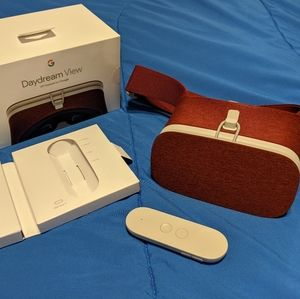 Google daydream view VR headset red